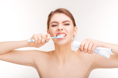 La sensibilidad de los dientes: ¿Cómo prevenirla y tratarla?