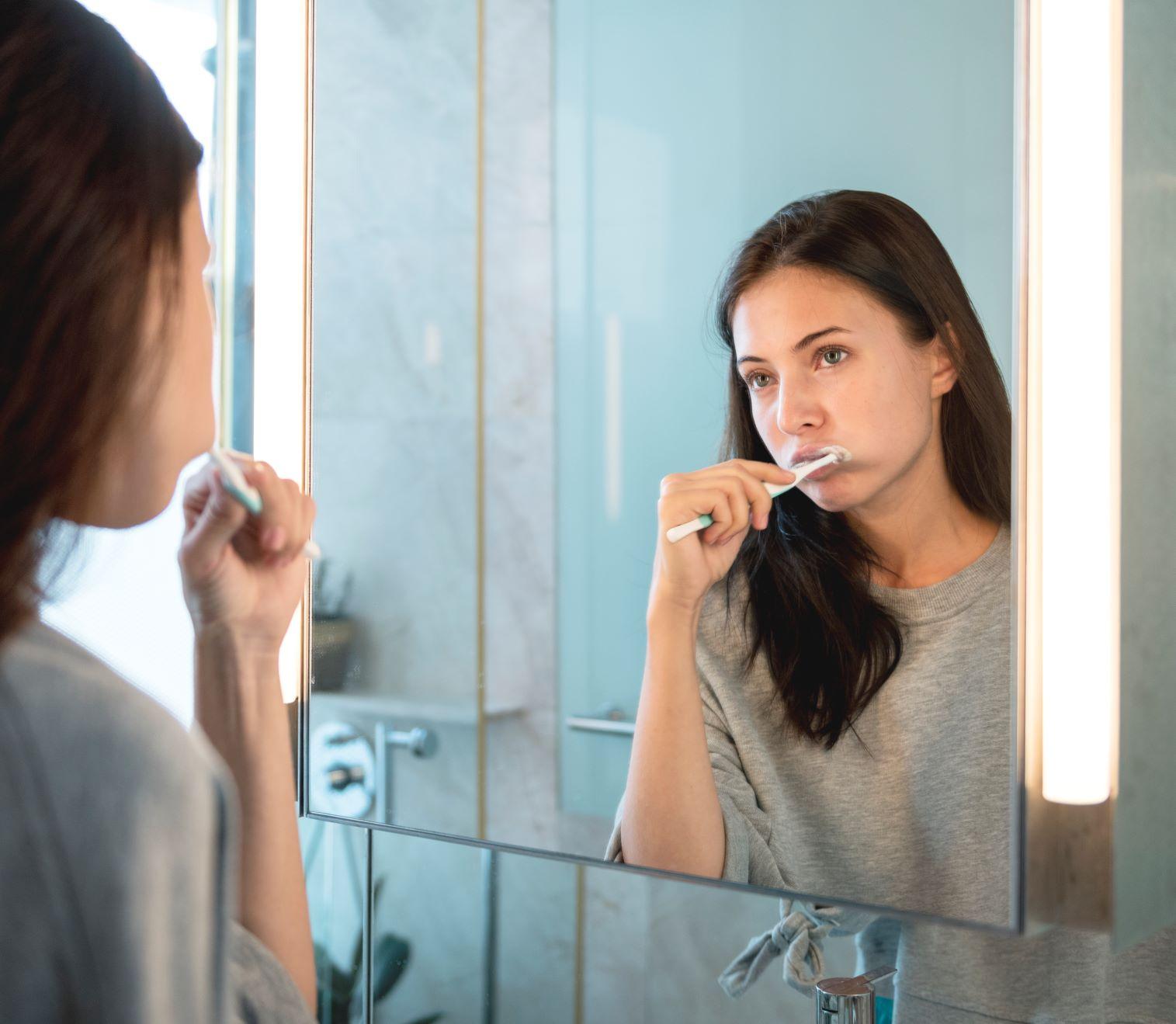 Blanqueamiento dental con elementos caseros
